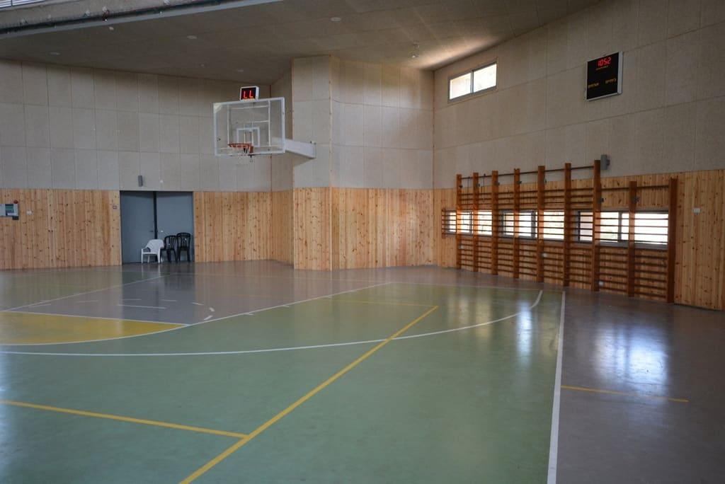 אולם ספורט בקיבוץ